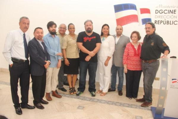 """Productores y realizadores de """"Dólares de Arena"""" y """"La Gunguna"""", junto a representantes de la DGCINE y la CDSF."""