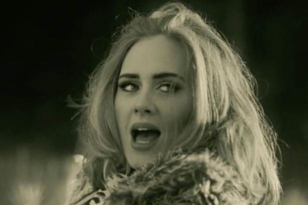 "Adele en el video ""Hello"". / Fuente foto: Believe Media/Sons of Manual/Metafilms"