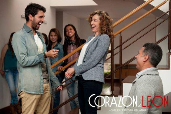 """Brian Moreno, Marcela Carvajal y Marlon Moreno en """"Corazón de León"""" (2015)."""