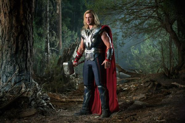 "Chris Hemsworth como Thor en ""Thor"" (2011)."