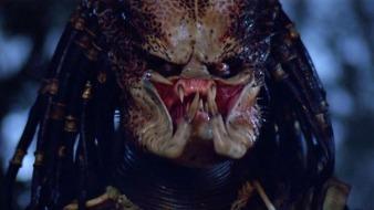 "Kevin Peter Hall como la criatura de ""Predator""."
